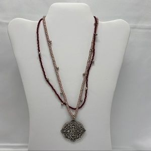 The Avenue Necklace in Mauve, Silver and Brick Red